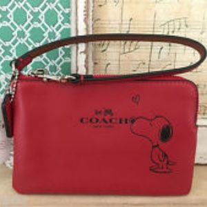 Authentic Coach Peanuts Snoopy Limited Edition